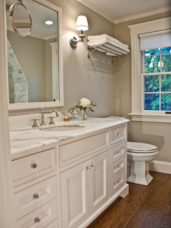 Benjamin Moore Revere Pewter Traditional Bathroom
