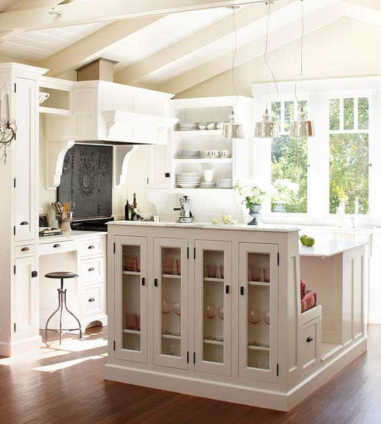 multi functional kitchen island traditional kitchen bhg. Black Bedroom Furniture Sets. Home Design Ideas