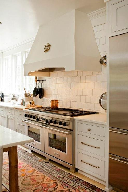 Staggered Tile Backsplash Design Ideas