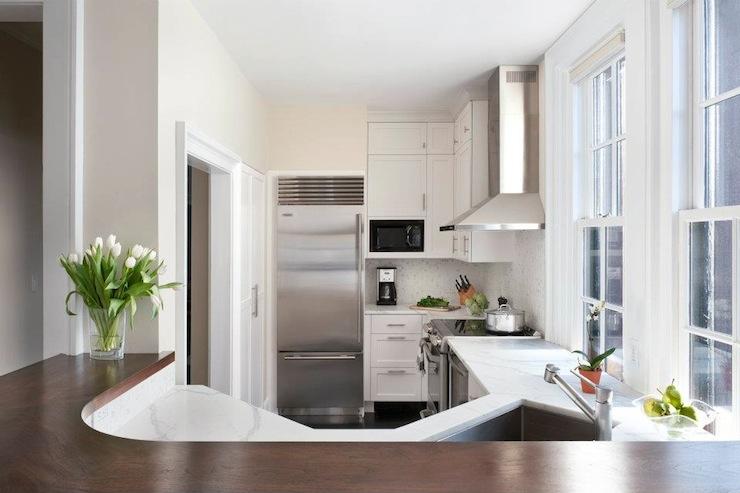 Navajo White Contemporary Kitchen Benjamin Moore