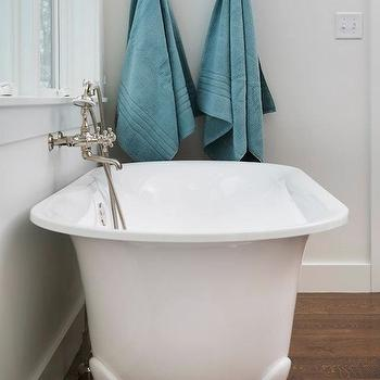 Lovely Clawfoot Bathtub