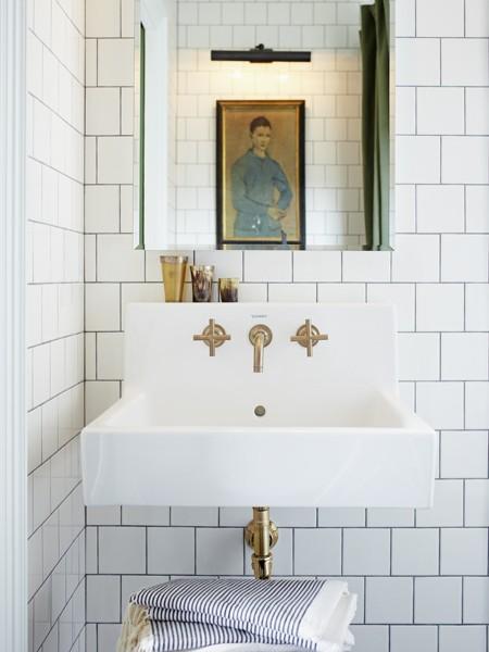 Floating Sink - Modern - Bathroom