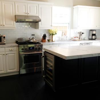 2 Tone Kitchen, Traditional, kitchen, Benjamin Moore edgecomb grey