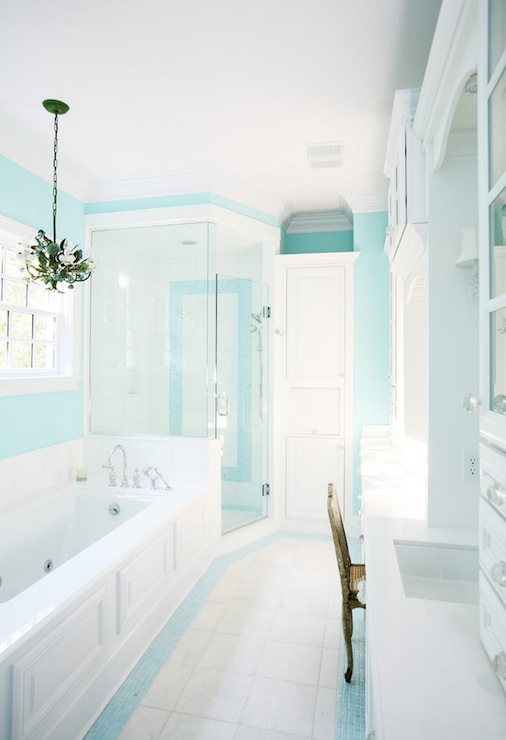 Pale Green Bathroom Accessories