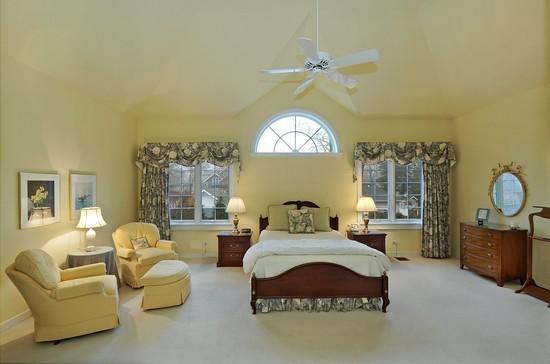 Yellow Bedroom With Dark Furniture, Yellow Bedroom Furniture