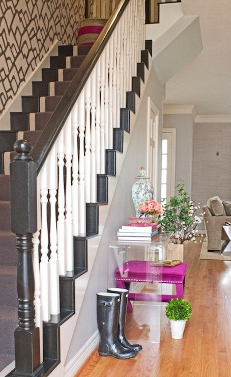 Acrylic Console Table Design Ideas