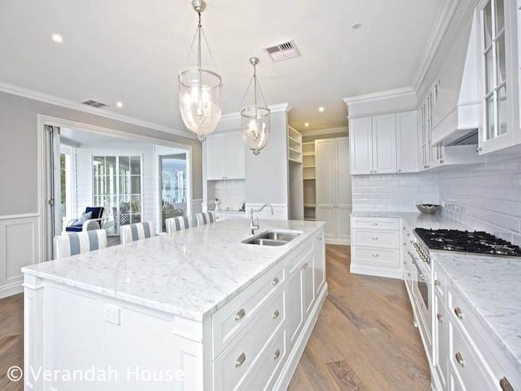Angled Kitchen Cottage Kitchen Veranda House