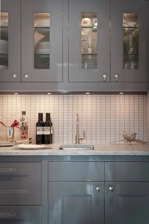 Gloss Kitchen Cabinets in Contemporary Kitchen