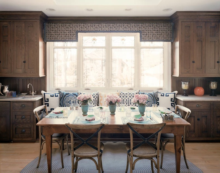 Built in banquette cottage kitchen bardes interiors - Built in banquette dining sets ...