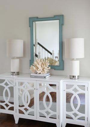 white mirror cabinet 2