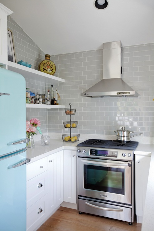Kitchens turquoise blue and gray design ideas - Como decorar una cocina rustica ...