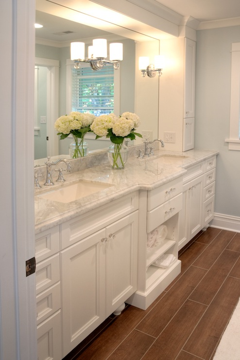 White carrera marble countertops traditional bathroom for All white bathrooms ideas