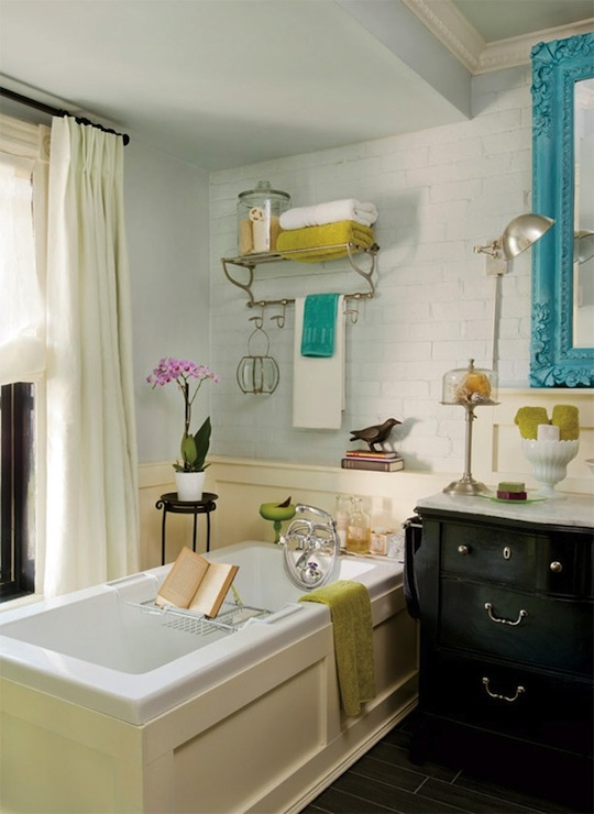 Black And White Bathroom With Blue Accents: Turquoise Blue Accents