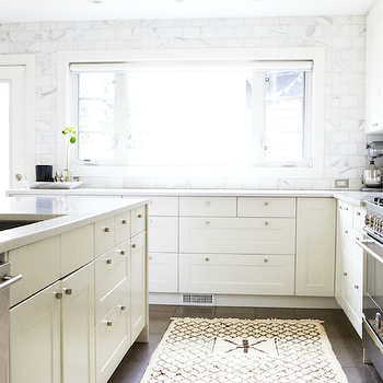 Quartz Countertop Height : ... Quartz Countertops and ceiling height marble subway tile backsplash