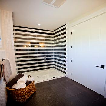 Black And White Bathroom Shower Tiles Design Ideas