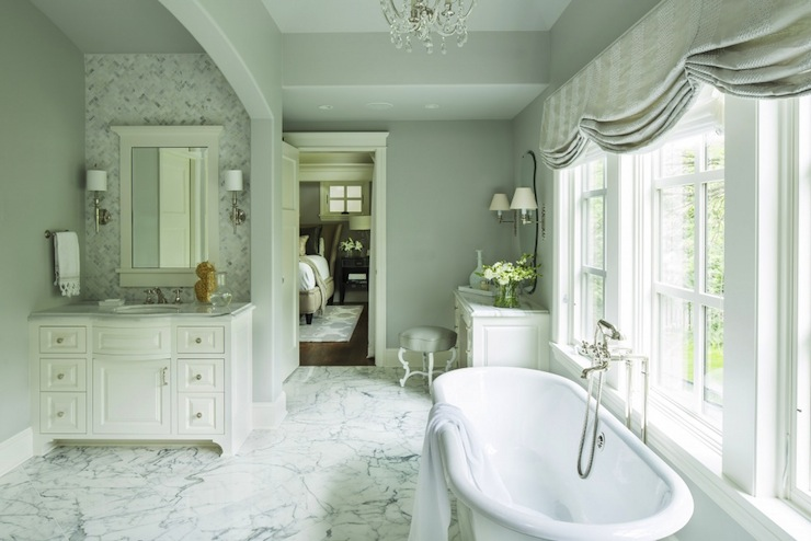 gorgeous bathroom with walls painted in benjamin mooreu0027s silver chain