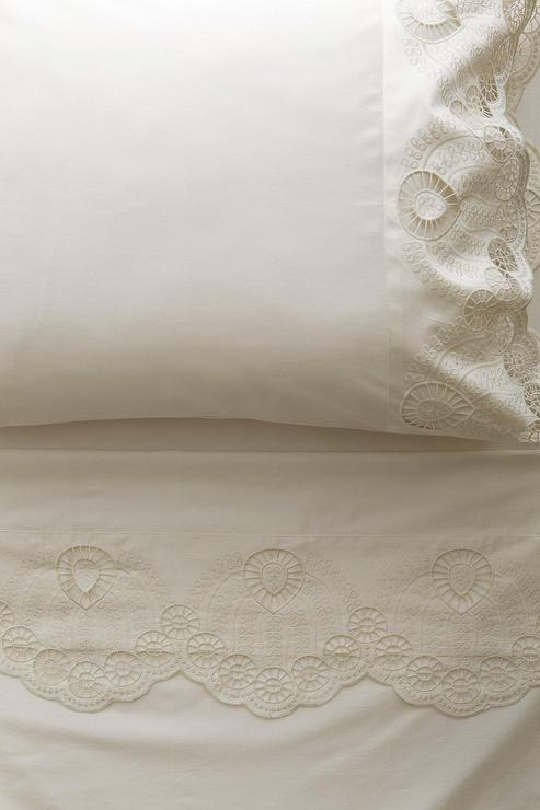 White Eyelet Embroidered Border Sheet Set