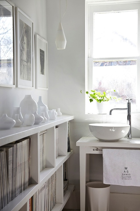 Cream bathroom shelving unit design ideas