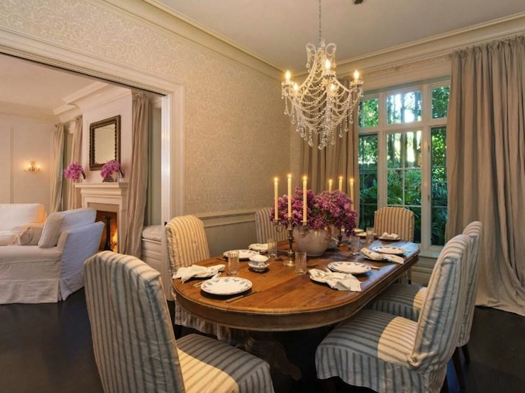 Gray damask wallpaper cottage dining room rachel ashwell for Grey dining room wallpaper