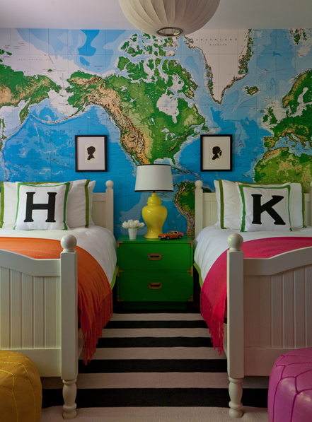 UniBedroom With Toys R Us World Map Wallpaper