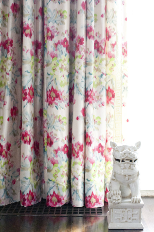 Floral curtains design ideas for Flowery curtains design