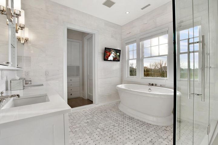 Ceiling Height Bathroom Tiles Design Ideas