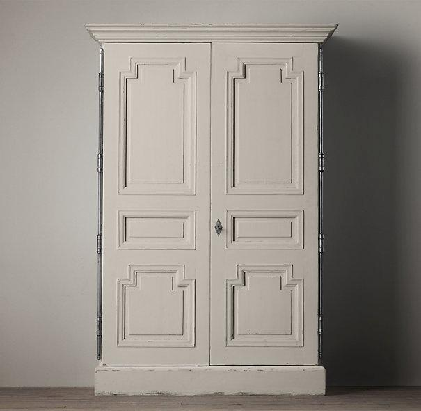 Incroyable Weathered White Montpellier Armoire