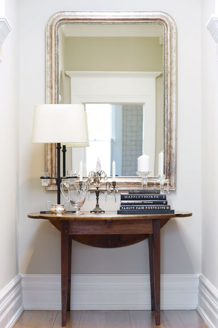 Round Silver Foyer Mirror Design Ideas