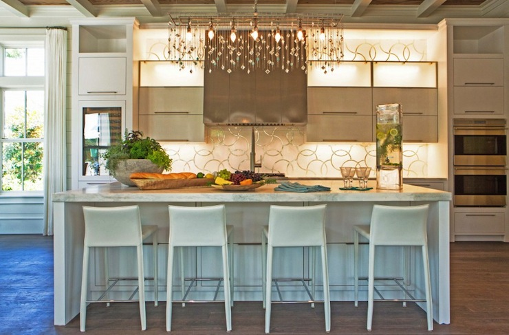 Island With Wine Jug Chandeliers Design Ideas