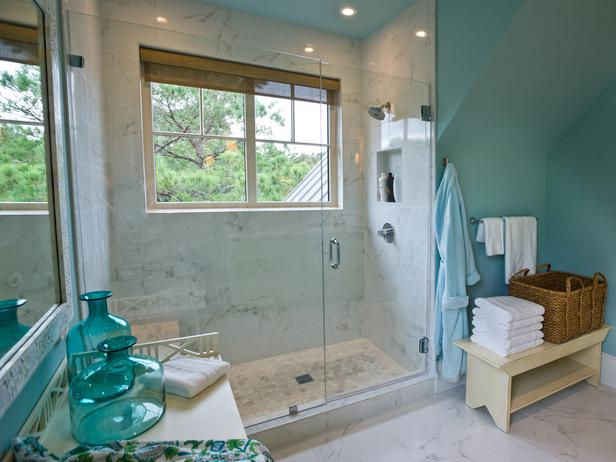Turquoise blue wall paint cottage bathroom sherwin for Aqua blue paint for walls
