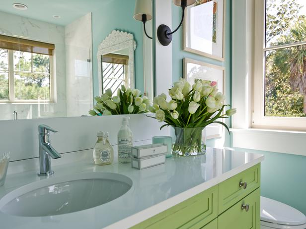 Green and turquoise blue bathroom cottage bathroom for Blue green bathroom ideas