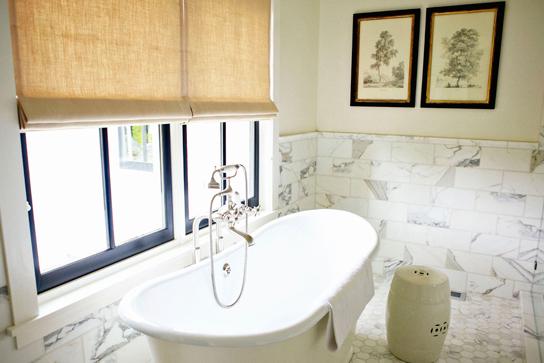 Statuary Marble Backsplash Cottage Bathroom H2
