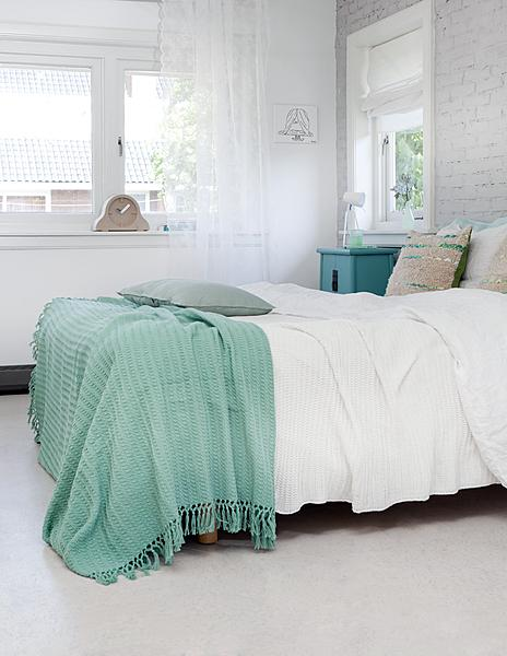 Turquoise Throw Design Ideas