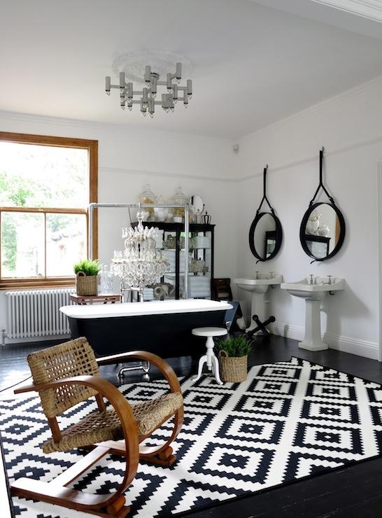 Black And White Kilim Rug Eclectic Bathroom 47 Park