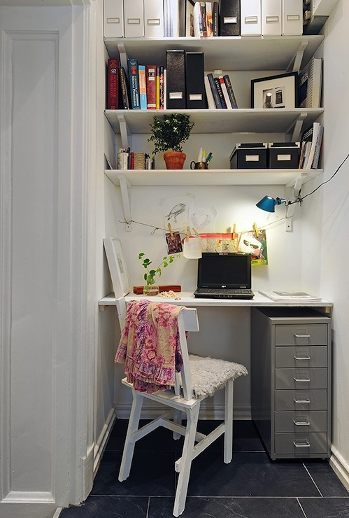how to build a floating desk in nook