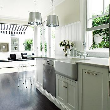 Shaker Küchen white shaker cabinets with vintage brass hardware design ideas