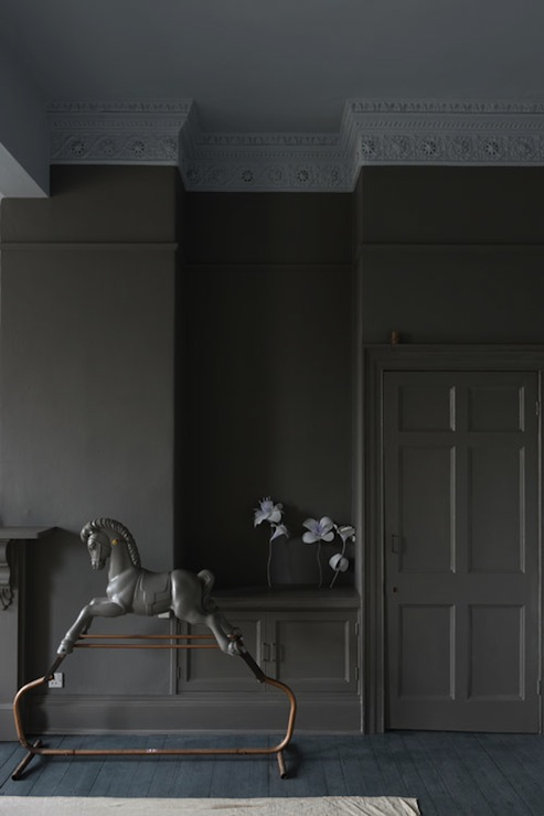 Dark Gray Crown Molding Design Ideas
