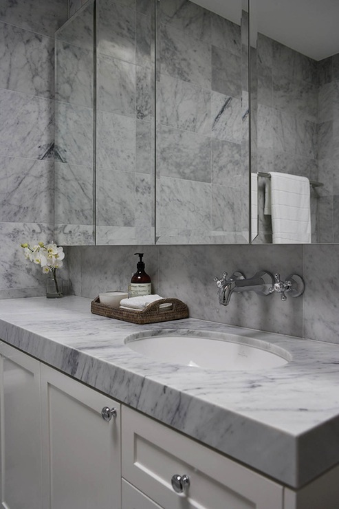 White carrera marble design ideas for Carrera bathroom ideas