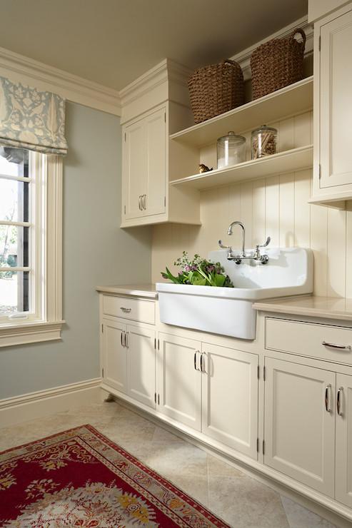 Tiny Home Designs: Laundry Room Shelves