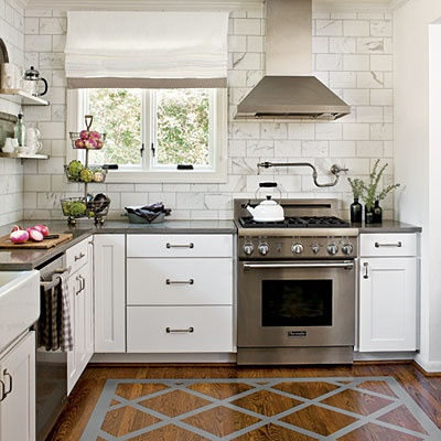 Painted wood floors transitional kitchen southern living for Small upper kitchen cabinets