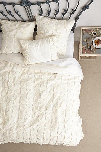 Ivory Pintuck Basal Quilt