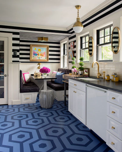 Decorating With Black White: Black And White Stripe Walls