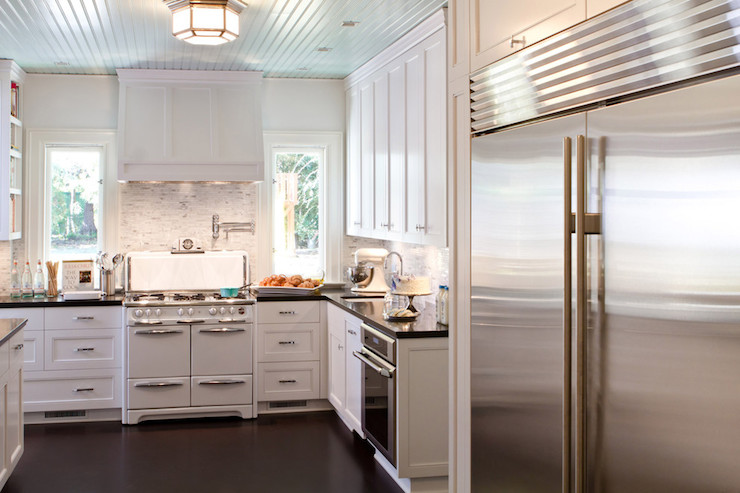 Bianco Venatino Marble Countertop Cottage Kitchen