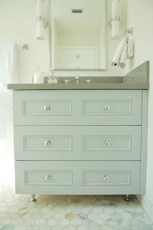 Attirant Gray Bath Vanity
