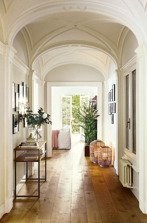 Barrel ceiling cottage entrance foyer el mueble - Archway designs for interior walls ...