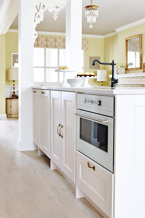 Island Oven Transitional Kitchen Farrow And Ball Pale Hound Sarah Richardson Design