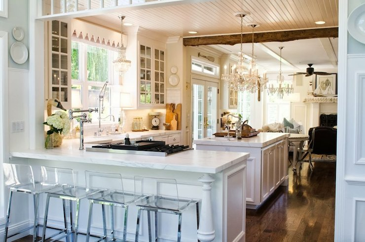 Peninsula Cooktop - French - kitchen - Benjamin Moore Ballet White - Apartment Therapy