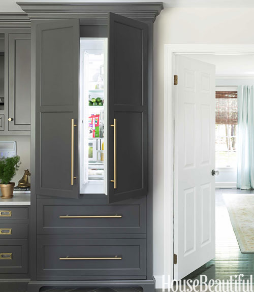 Gray refrigerator transitional kitchen benjamin for Armoire couloir design