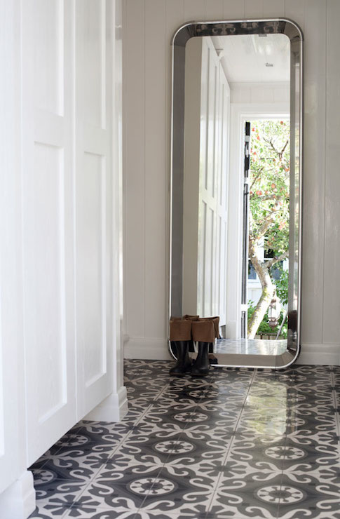 White and gray mosaic tiles cottage entrance foyer for Entrance foyer tiles
