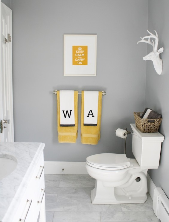 Marina gray contemporary bathroom benjamin moore for Bathroom decor yellow and gray